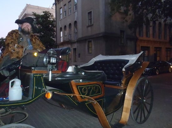 Historic Savannah Carriage Tours : Robert our driver & Carriage