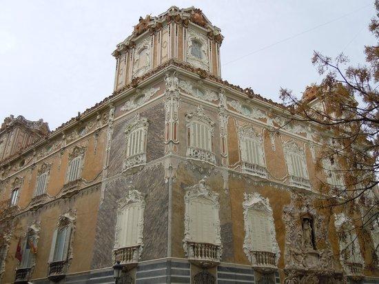 Palacio del Marques de Dos Aguas : Dos Aguas a valencia