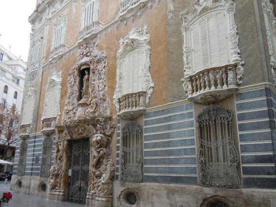 Palacio del Marques de Dos Aguas : Cariatidi di Dos Aguas a VALENCIA