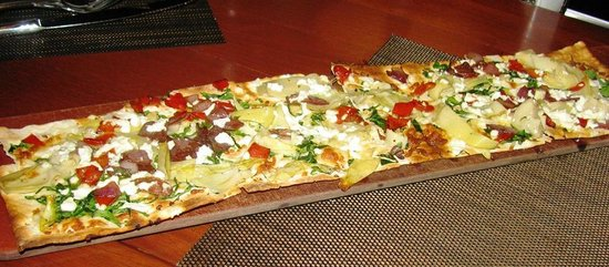 Seasons 52: Goat Cheese & Artichoke Flatbread
