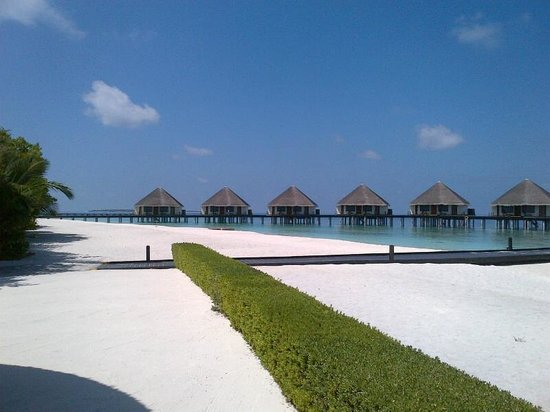 Adaaran Prestige Water Villas: all the rooms are equally well located