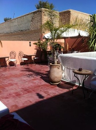 Riad Morgane: Upstairs balcony and a great place to have breakfast