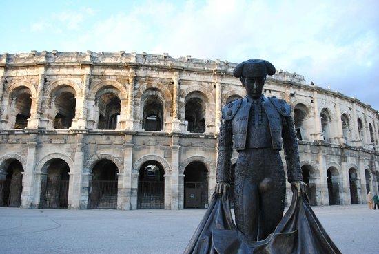 Arenes de Nimes: ним, арена