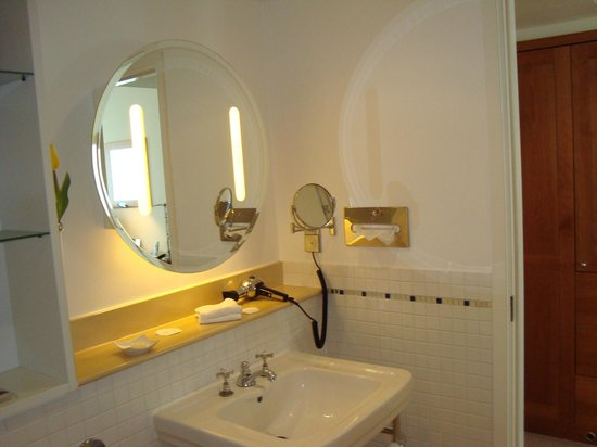 Hotel Das Triest: Our Fantastic Bathroom