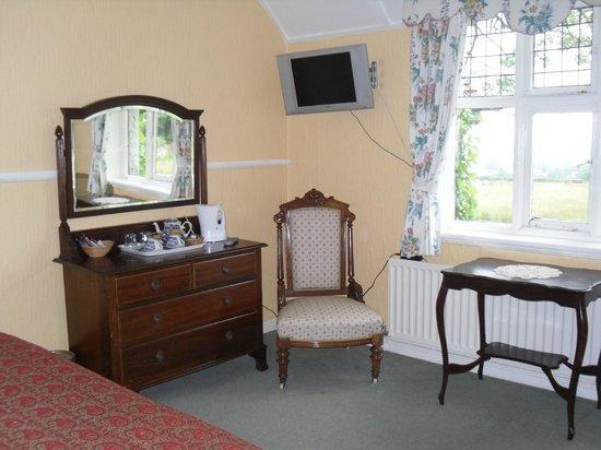 The Beacon: Family room