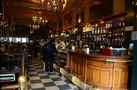 Cafe A Brasileira : Interior