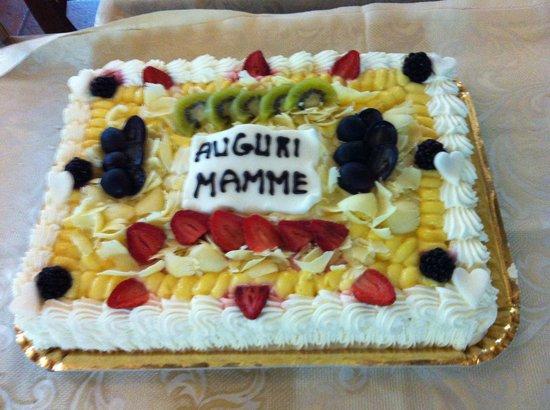 Torta Compleanno Per Mamma.Torta Per Il Compleanno Della Mamma Buonissima E Freschissima