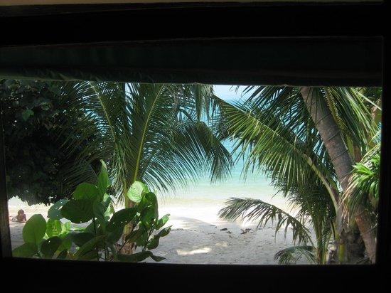 Secret Garden Beach Resort: Вид из номера бич фронт