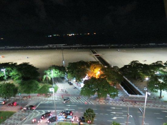 Mercure Santos : Vista desde la habitacion en la noche