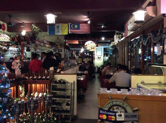 Mizi Bistro: Inside the Restaurant
