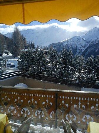 Hotel la Vanoise : Et voici ce que l'on peut voir en déjeunant..dès le matin