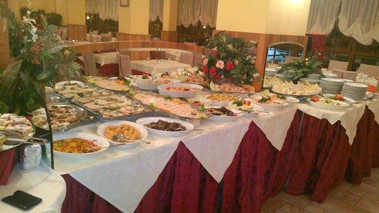 Hotel Relais Des Alpes : dinner buffet