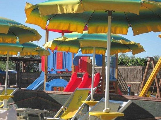 Sala Giochi Privata : Giocolandia parco giochi al coperto giochi sala feste private