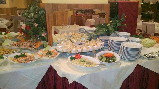 Hotel Relais Des Alpes : delicious buffet
