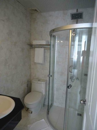 Ruby River Hotel : Deluxe room bathroom