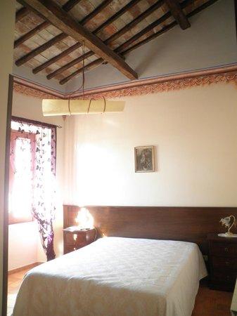 Palazzetto Leonardi: camera ampia a spaziosa
