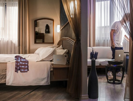 Welcome Hotel: Blue Suite