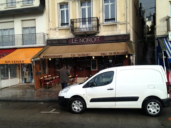 Le Noroit : In front