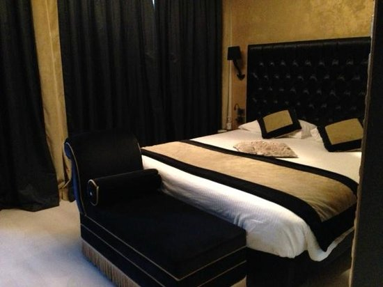 Carnival Palace Hotel: Deluxe room 122