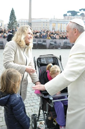 Emi's Guest House: My daughters, Pope Francis and I. <3