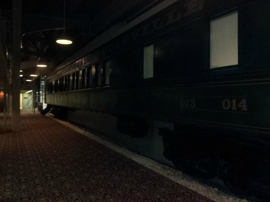 Crowne Plaza Indianapolis Downtown (Union Station): Pullman cars
