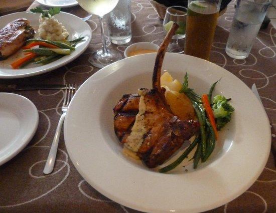 Bravos Restaurant Bar: Fantastic Mongolian Pork Chop