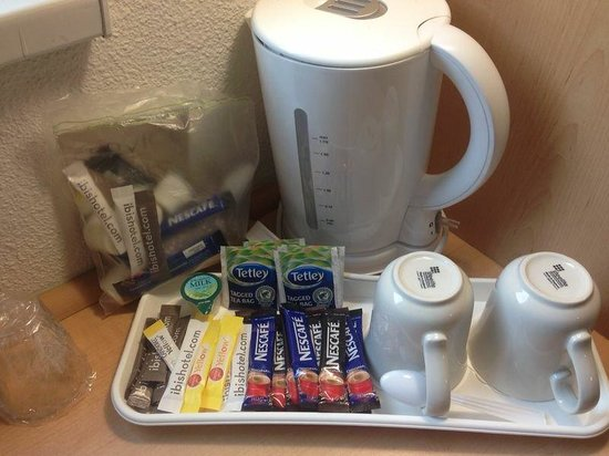 Ibis London Docklands Canary Wharf: Tea and Milk (Courtesy of the Hotel)