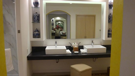MM Grand Hotel : bathroom