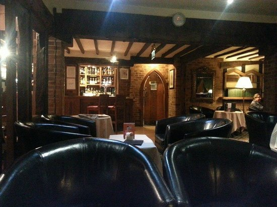 Copthorne Hotel London Gatwick : The Library Bar