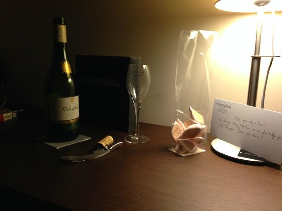 Le Derby Alma: Happy New Year from Hotel