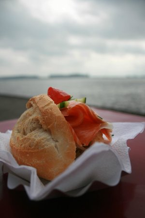 Treppenviertel: Great salmon sandwich