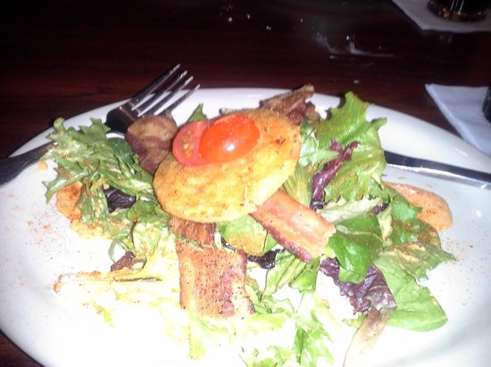 Tibby's New Orleans Kitchen: Peppered bacon, fried green tomato salad