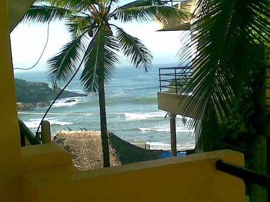 Kavitha Beach Resort: best part of our apartment... the view from the balcony