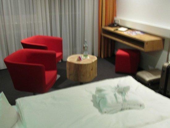 Hotel Tannhof : Sitzecke und Schreibablage