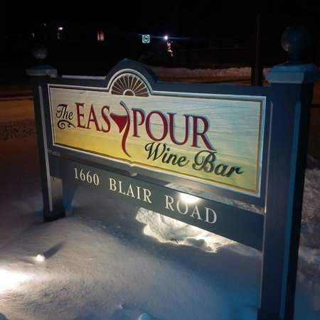 The Easy Pour Wine Bar: The Easy Pour