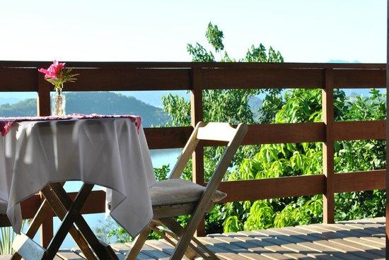 Resort Croce del Sud : Mesa na Sacada.