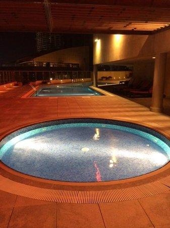 Marriott Executive Apartments Manama, Bahrain: Pools on Roof