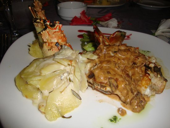 Catalonia Royal Bavaro: GET THE LOBSTER DINNER ON THE DECK