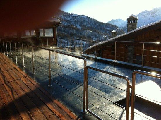 Principe Delle Nevi : Wonderful outdoor swimming pool