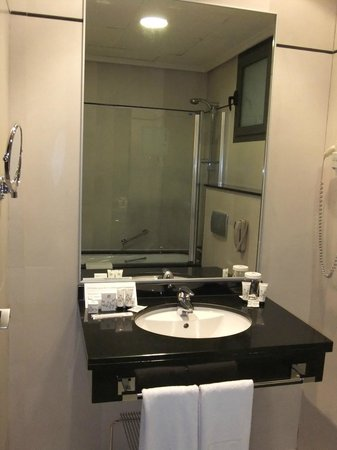 Valencia Center Hotel : Baño