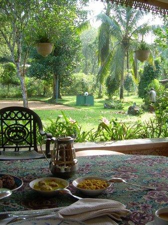 The Plantation Villa: Dining