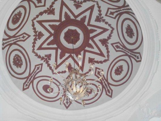 Hotel Alvaro de Torres: Cúpula de la escalera