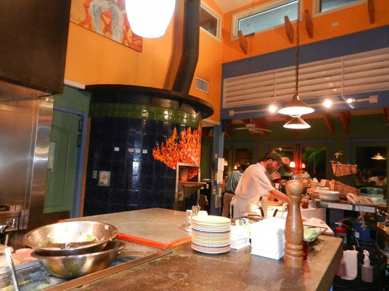 Cimboco: Wood fired oven where everything is baked on premises