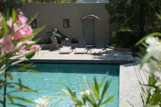 Hotel 96 : Vue piscine