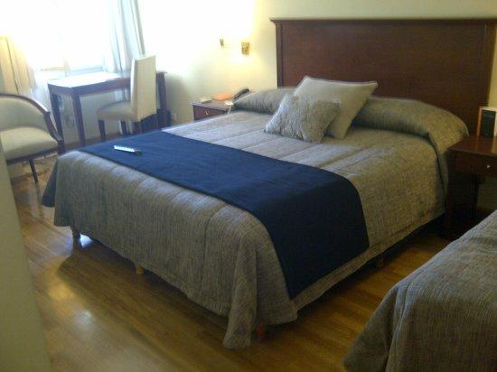 Hotel del Comahue : Buena calidad de cama