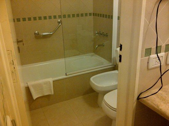 Hotel del Comahue : Interior baño