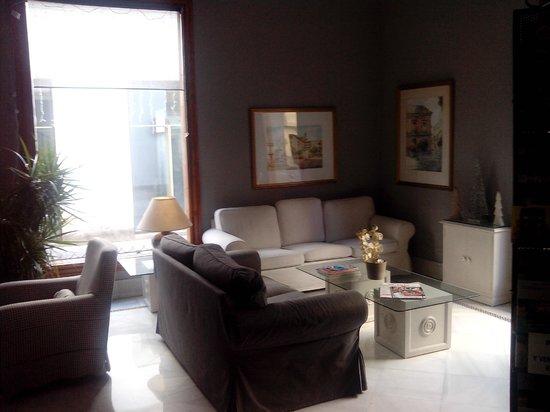 Hotel Dona Blanca: Sala de Espera.