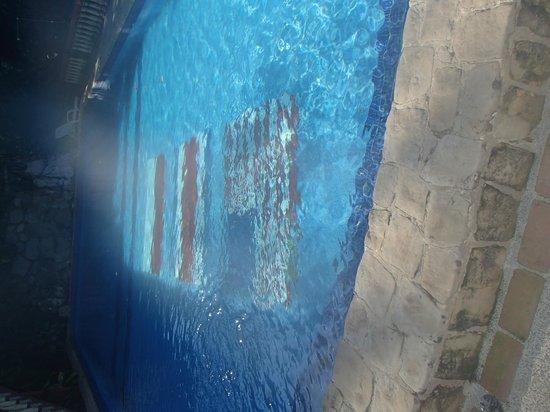 Hotel Las Tres Banderas : Pool