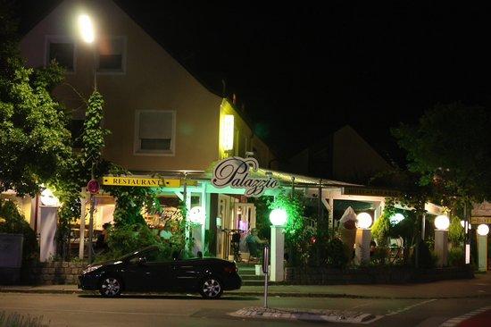 Hotel Palazzio : Außenfoto zur Terasse
