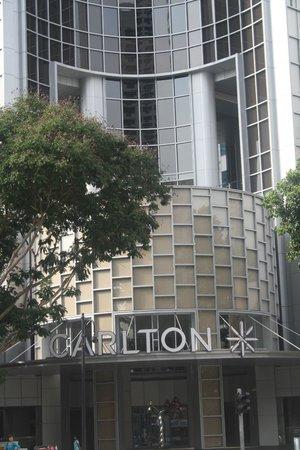 Carlton Hotel Singapore: The square